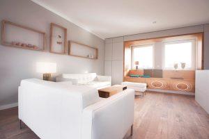 Wohnzimmer mit unsichtbaren Lautsprechern