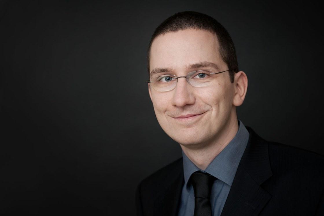 Dr. Sebastian Merchel